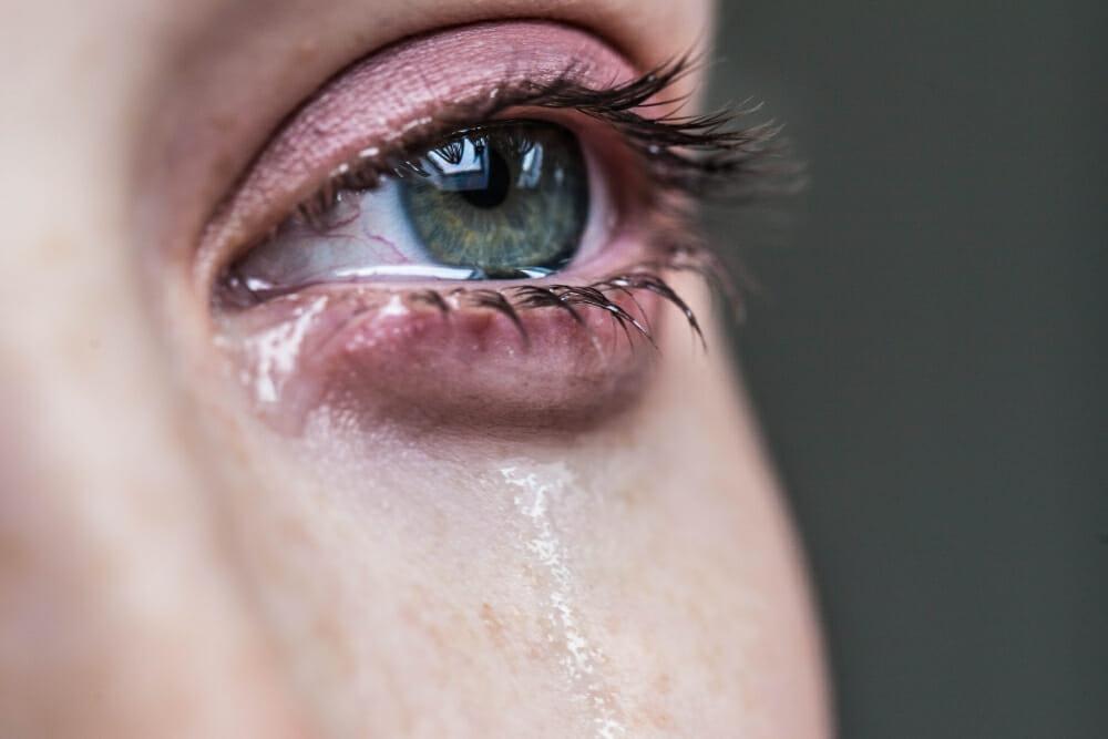 Does crying ruin eyelash extensions