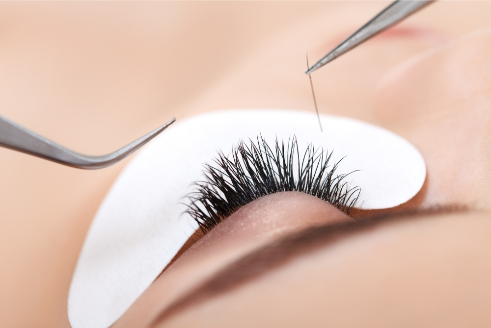 When should you get a fill for eyelash extensions